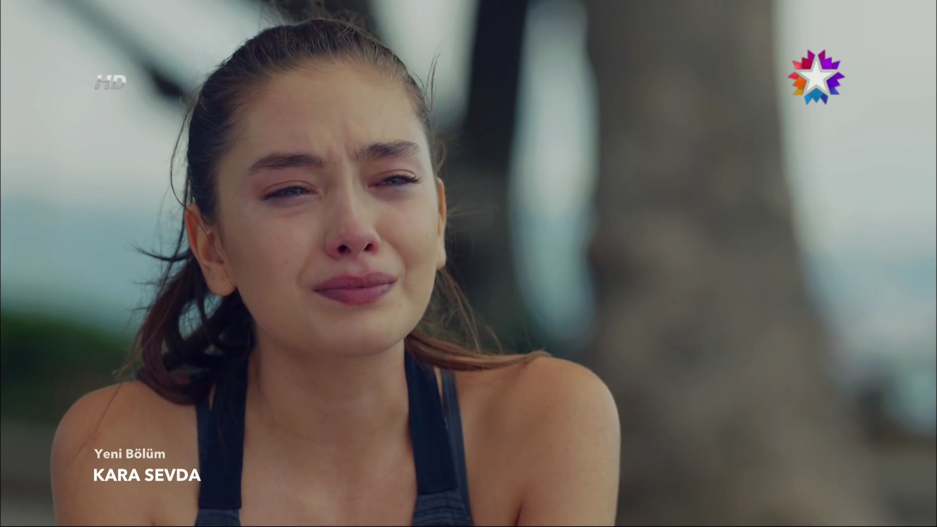 Нихан плачет фото на аву