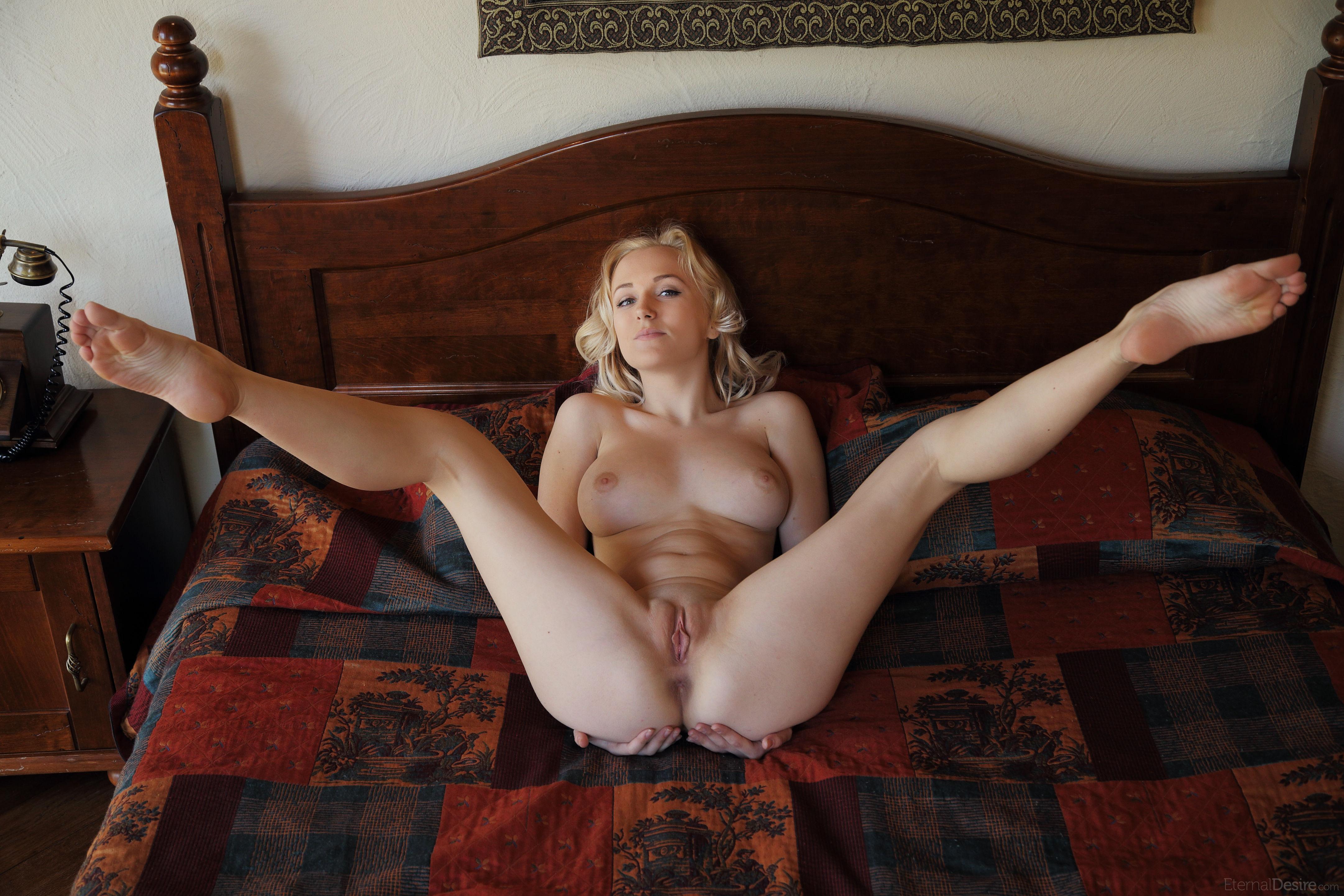 naked hot girls pics