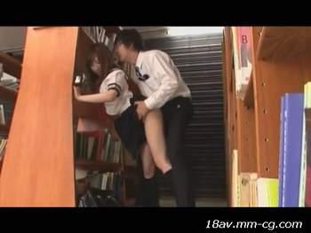 [短片]在圖書館隨意找大叔做愛的女高中生
