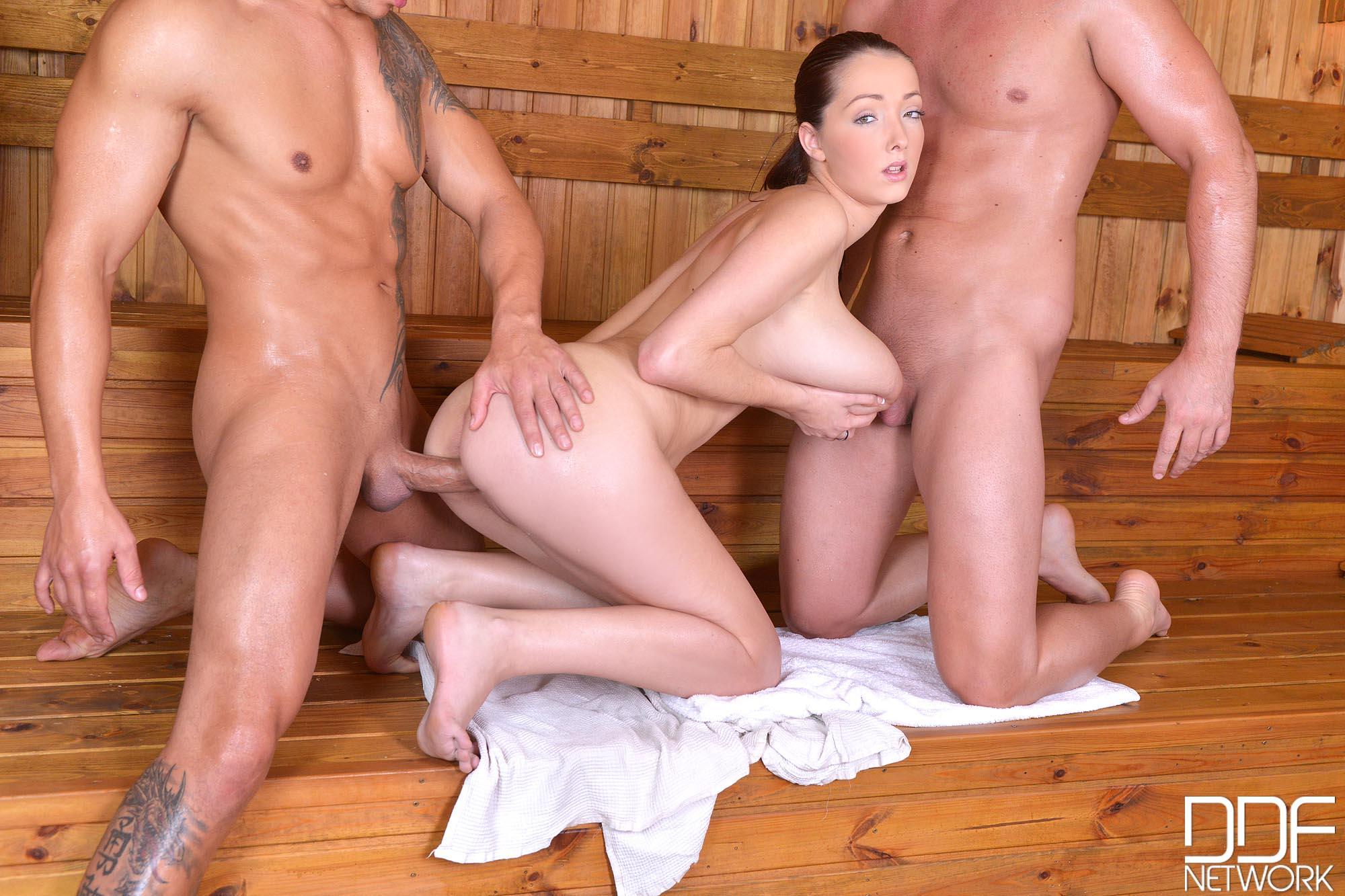 ebut-v-saune-video