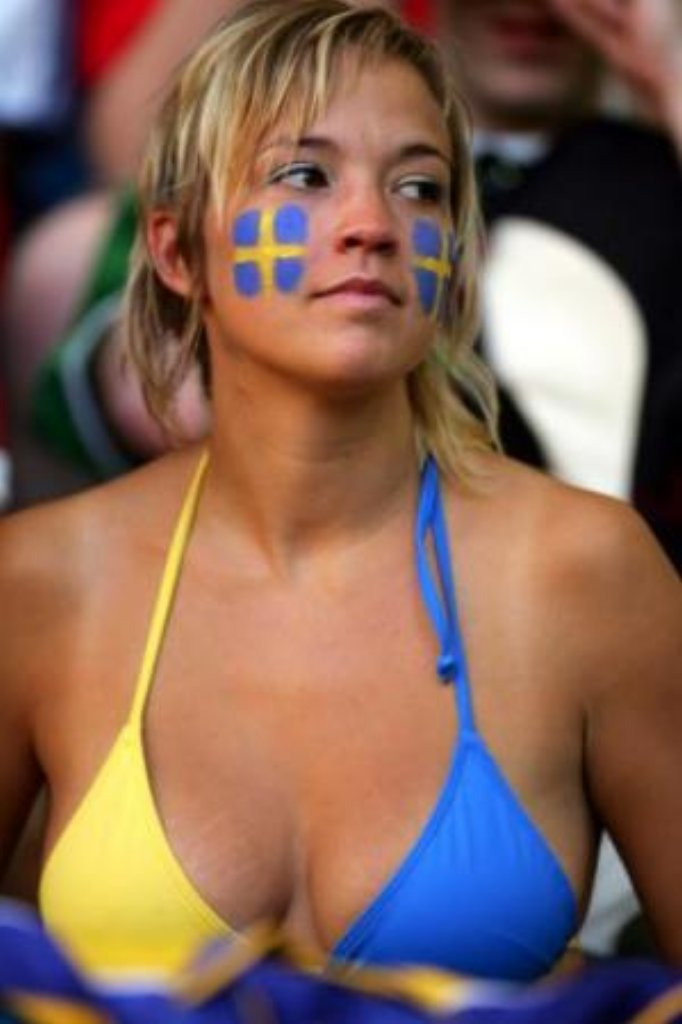 11866 2010 world cup babes 184 a 15 123 527 lo