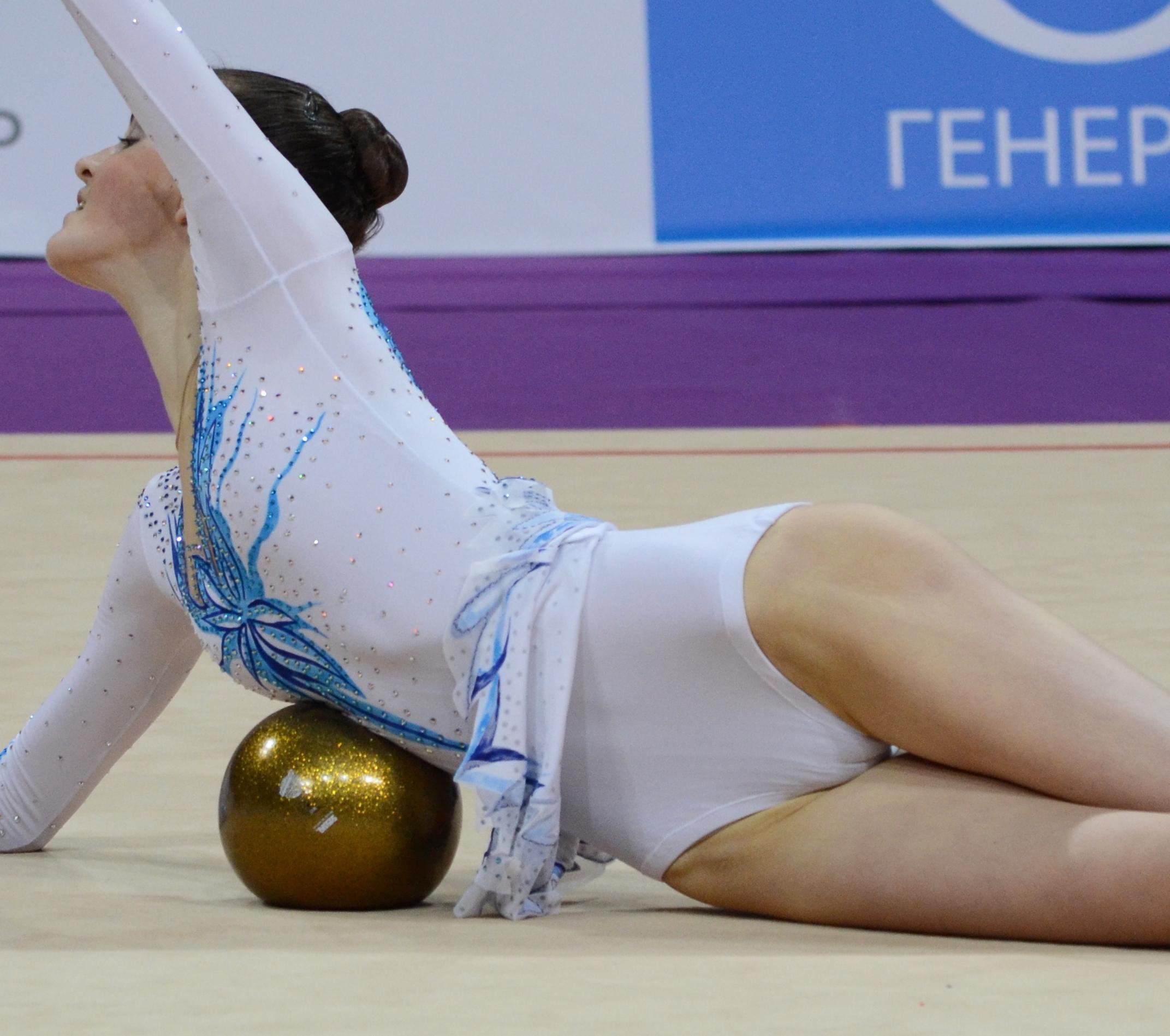 фото женщины гимнастки любительские