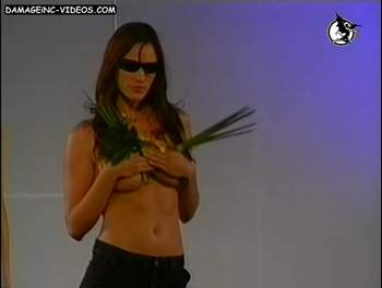 Laura Giovanetti half naked