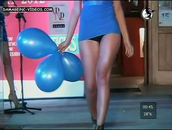 Debora Bello upskirt video
