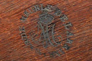 Le monogramme ou chiffre de Marie-Antoinette - Page 2 20061409_531668_10151120116288674_1684345167_n