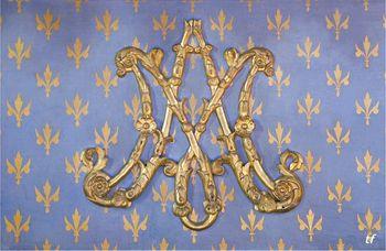 Le monogramme ou chiffre de Marie-Antoinette - Page 2 20061433_Couv_ab_800